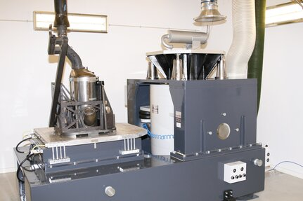 The Dinex Test Center has an ETS electrodynamic shaker